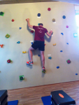 Kletterwand in Benutzung